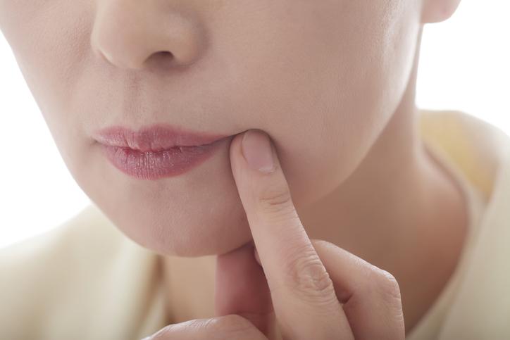 Az ételallergia tünetei csecsemőknél-korai és kései reakciók