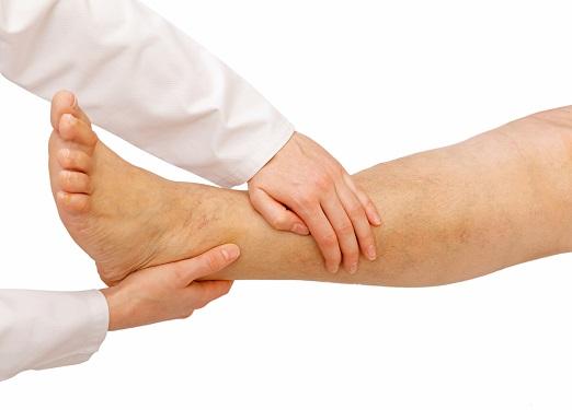 a lábán egy nagy piros folt fáj)