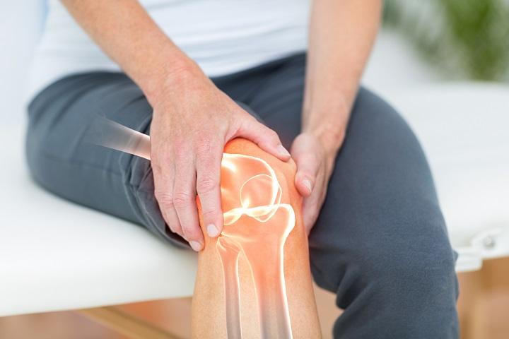 a lábán egy nagy piros folt fáj